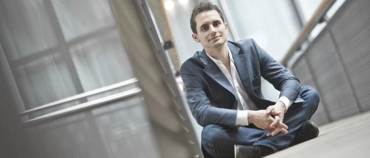 """Prof. Dr. Jürgen Seitz fordert """"eine End-to-End-Betrachtung und die Zusammenarbeit des ungleichen Duos Kommunikation und Vertrieb"""""""
