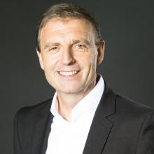 """Bernd Wagner, Regional Vice President für die Marketing Cloud bei Salesforce: """"Wenn Vertriebsmitarbeiter durch Automatisierung erfolgreicher sind als Vertriebler mit analoger Arbeitsweise, dann werden auch die Rolodex im Vertrieb weniger und Mitarbeiter sind bereit, ineffiziente Verhaltensmethoden aufzugeben"""""""